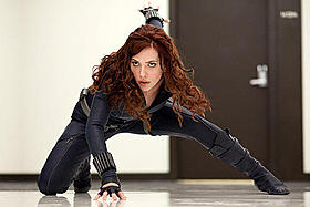 セクシーなブラック・ウィドーが主人公に「アイアンマン2」