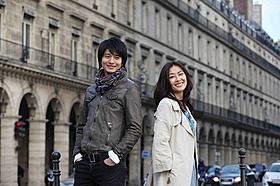 初共演する向井理と中山美穂「新しい靴を買わなくちゃ」