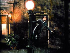 「雨に唄えば」の一場面