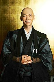 吉沢亮がちょっと天然な見習い僧侶に