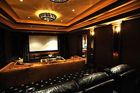 IMAXがホームシアターに進出!