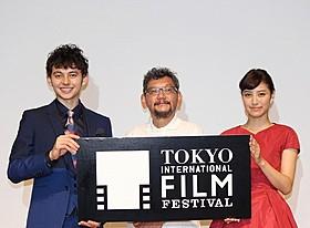 (左から)ハリー杉山、庵野秀明監督、岡本あずさ