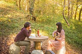 「森のカフェ」の一場面