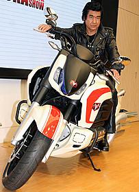 トークショーに出席した藤岡弘、「仮面ライダー1号」