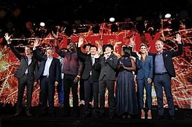 Netflix作品の出演者と経営陣