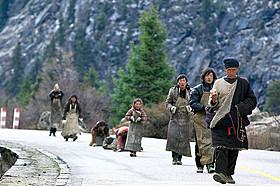 「ラサへの歩き方 祈りの2400km」の一場面「ラサへの歩き方 祈りの2400km」