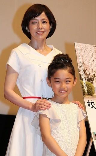 沢口靖子と岩崎未来ちゃん「校庭に東風吹いて」
