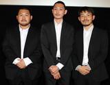 渡辺紘文&雄司兄弟「プールサイドマン」で現代の日本人を問う「叩かれるのは覚悟の上」