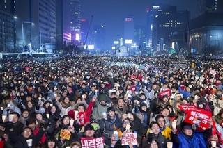 100万人規模の抗議デモが起こったソウル