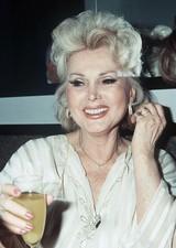 """""""セレブの先駆け""""往年のハリウッド女優ザ・ザ・ガボールさん99歳で死去"""