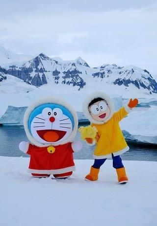 ドラえもん&のび太が南極へ!