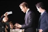 """オスカー最多ノミネートの「ラ・ラ・ランド」R・ゴズリングと監督が来日! """"神対応""""に500人熱狂"""