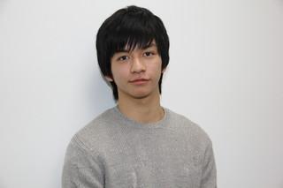 立てこもり事件を起こす高校生を演じる田中偉登