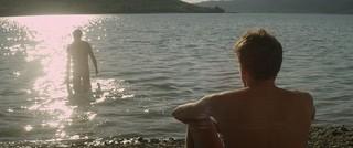 アラン・ギロディ監督 「湖の見知らぬ男」の一場面