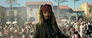 ファンのツボを刺激するシーンが連続「パイレーツ・オブ・カリビアン 最後の海賊」