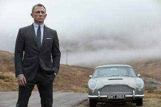 「007」争奪戦勃発!