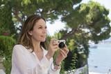 巨匠コッポラの妻、80歳で長編劇映画監督デビュー「ボンジュール、アン!」7月公開