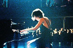 4分間のピアニストの映画評論・批評
