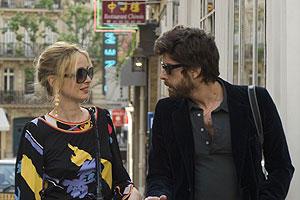 パリ、恋人たちの2日間の映画評論・批評