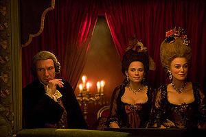 ある公爵夫人の生涯の映画評論・批評