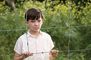 縞模様のパジャマの少年の映画評論・批評