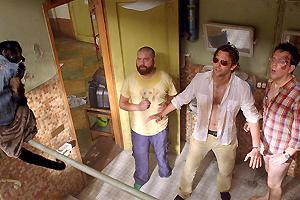 ハングオーバー!! 史上最悪の二日酔い、国境を越えるの映画評論・批評
