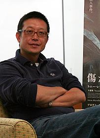 傷だらけの男たち インタビュー: 香港映画界を変え、世界を見据えるアンドリュー・ラウ監督