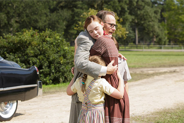トランボ家の長女ニコラに扮するのは、若手実力派女優として知られるエル・ファニング